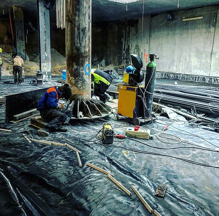 Montaż Głowic stropu pośredniego (Stacja metra C16) 3